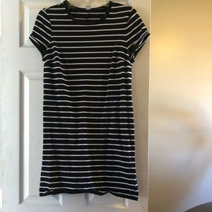 Dresses & Skirts - Striped old navy T-shirt dress